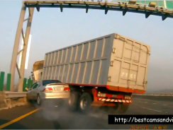 Ultimate Truck Crash In Asia Collection [April 2015]