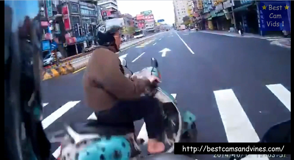 Ultimate Scooter Crash Collection [March 2015]